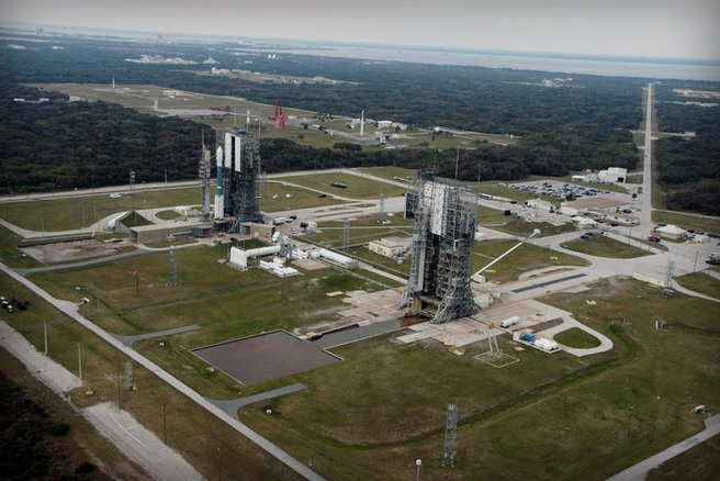 Space Launch Complexes 17 and 18, Cape Canaveral-Florida - foto credit NASA