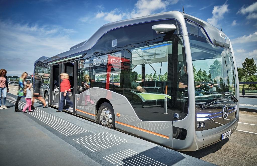Mercedes Future Bus 1