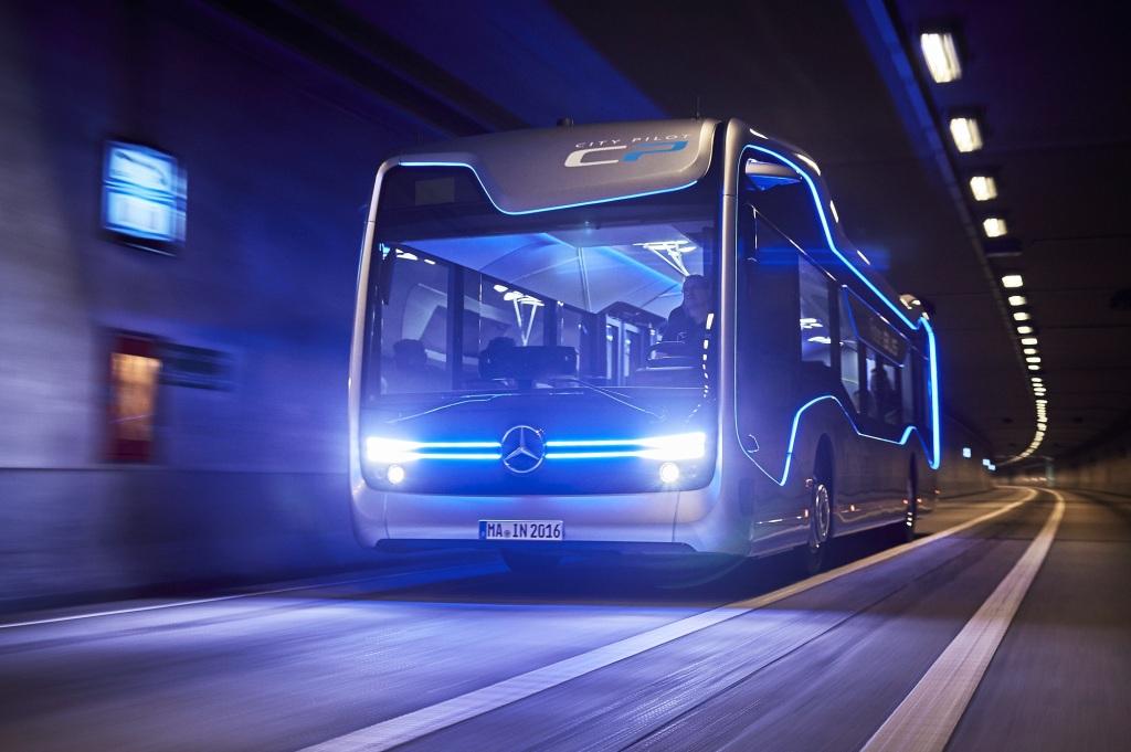 Mercedes Future Bus 4
