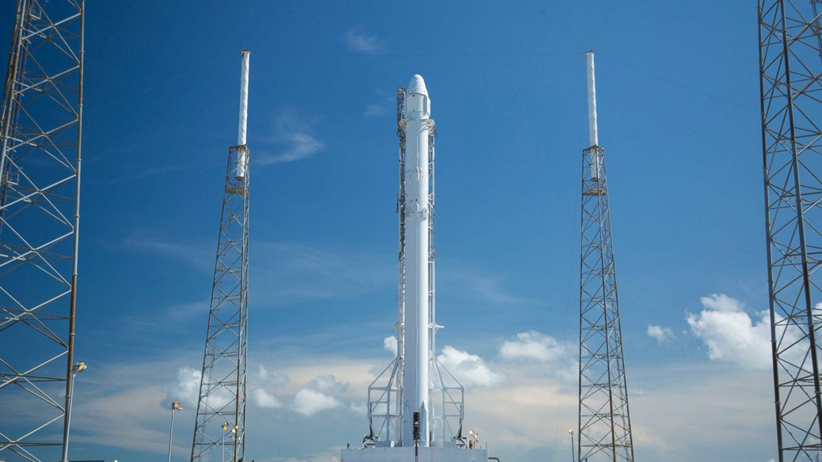 SpaceX launch credit AP