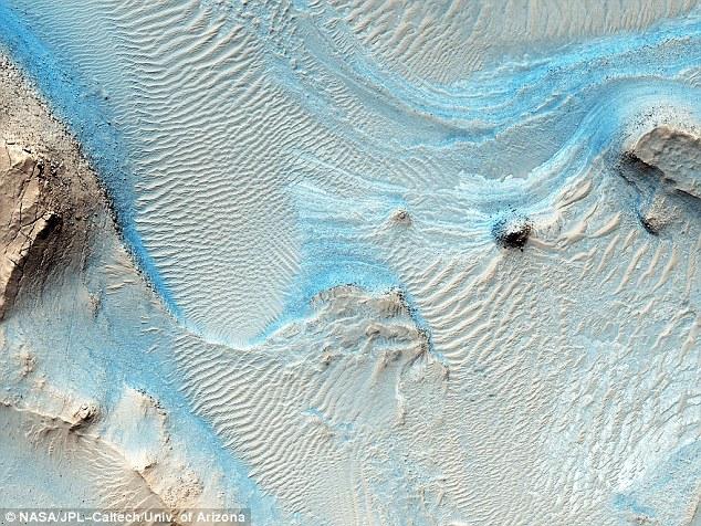 blue-dunes-mars-nasa
