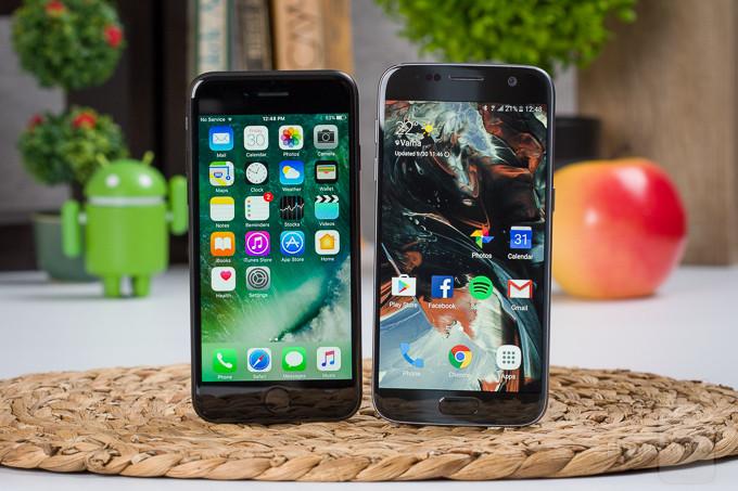 Apple-iPhone-7-vs-Samsung-Galaxy-S7-TI